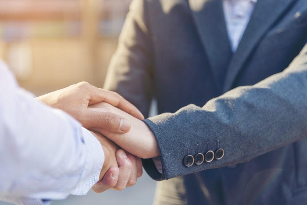 URL: /como-gestionar-contratos-fallecimiento-familiar/
